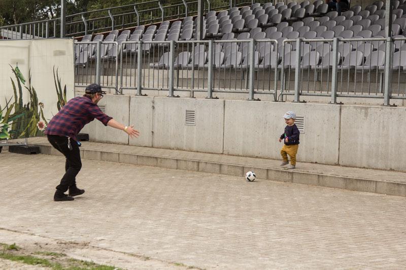 a-summers-tale-festival-mit-kind-fussballspielen