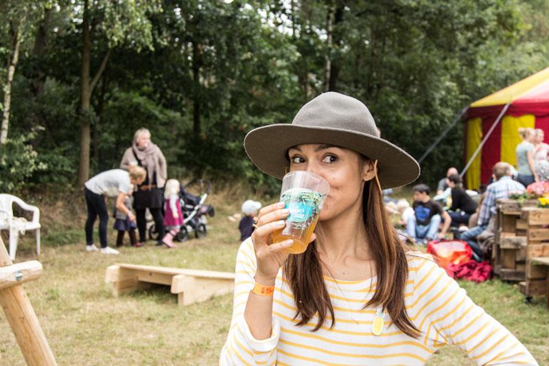 mama-biertrinken-festival-mit-kind