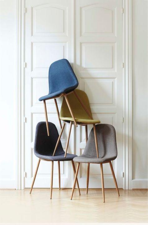 Stühle gestapelt