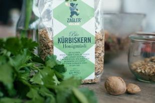 Österreichisches Kürbiskernmüsli mit Honig
