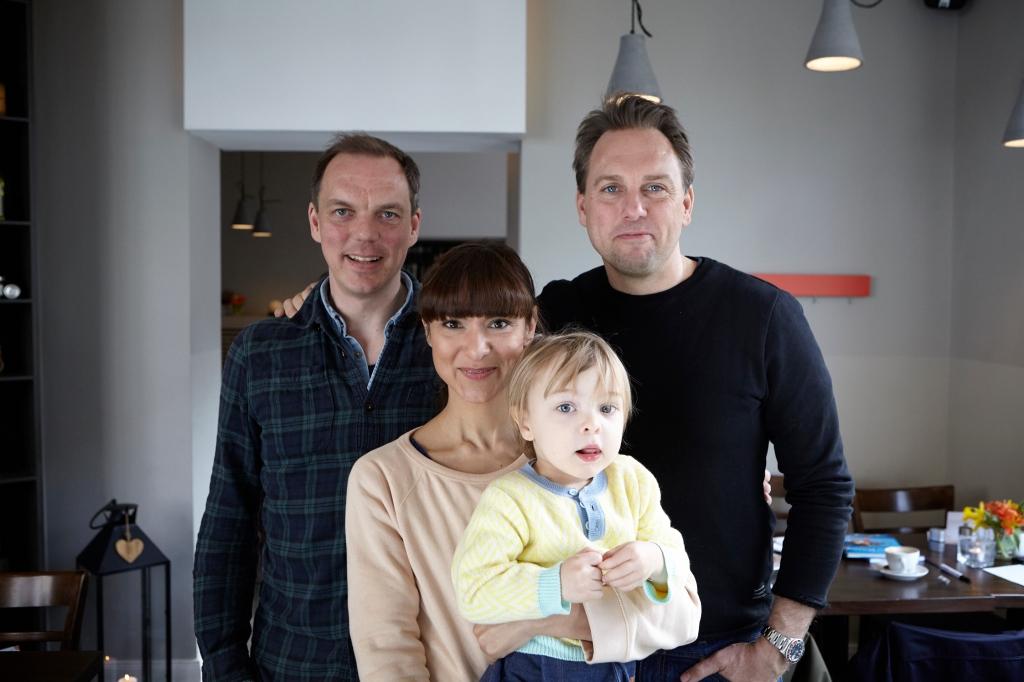 Steven Gätjen, Andreas Karlström mit Susanna Goonawardana und Noam von A Family Affair