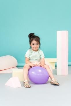 Nachhaltige Kindermode in Pastellfarben