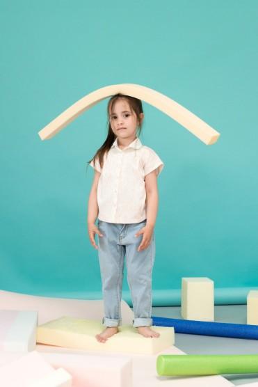Bluse von Macarons fashion, Jeans von Tiny Cottons