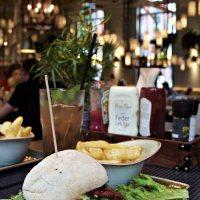 Ausflug ins Nimmerland |Mit Kind im Burger-Grill Peter Pane