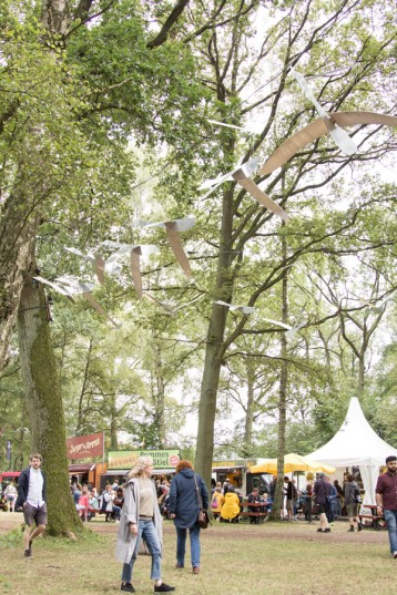 A Summers Tale-Festival mit Kind: Food Area bei der Waldbühne