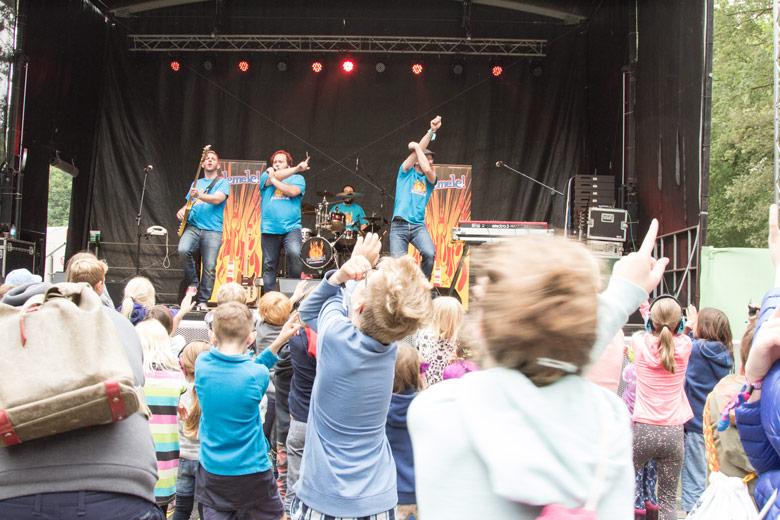 Kinder-band Pelemele auf dem A Summers Tale-Festival