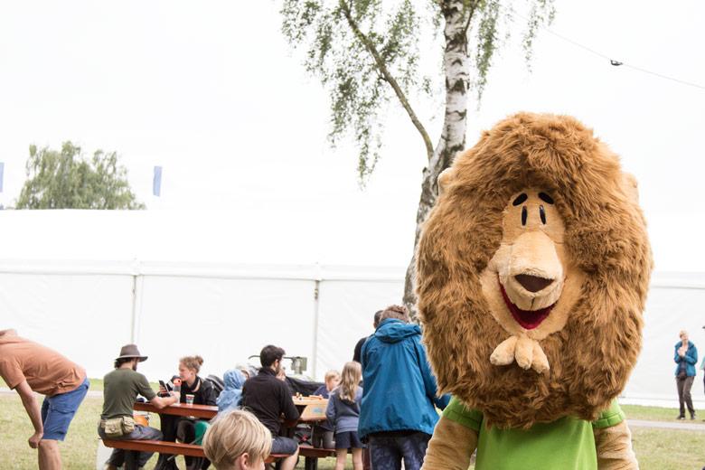 Zeit Leo auf dem A Summers Tale-Festival
