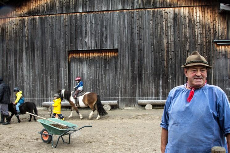 Ponyreiten im Reka Feriendorf Urnäsch