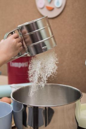 Mehl aus Einhandsieb von Wayfair