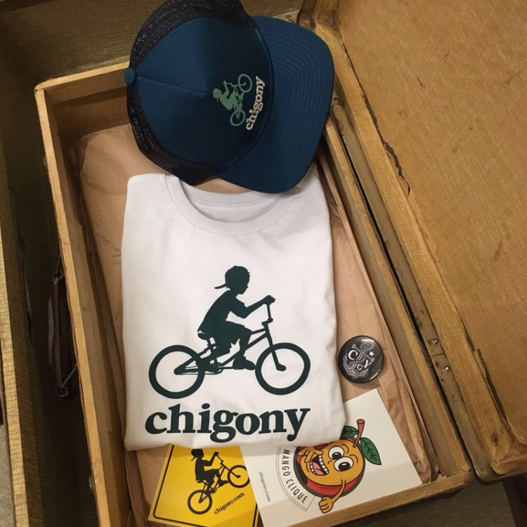 chigony-kindermode-nachhaltig-shirt-cap-fahrrad