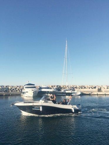 Motorboot im Hafen von Mallorca