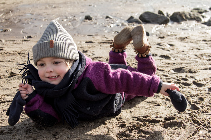 kind-winter-nachhaltige-kindermode-manitober