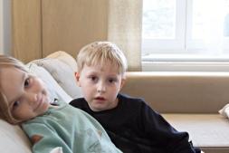 Kinder im Dünenhaus auf Rügen
