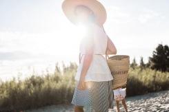 Frau im Look von Maqu Berlin zum Thema nachhaltige Mode
