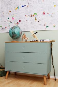 Kinderzimmer Makeover mit Wayfair: mintfarbene Kommode mit Push-to-open-System